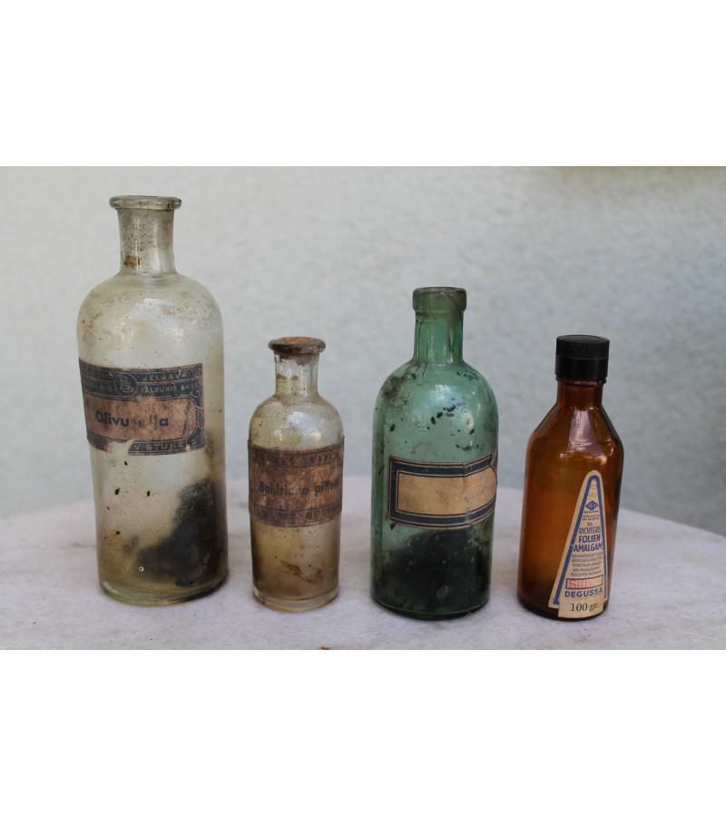 Antikvariniai vaistu buteliukai. LIKO tik vienas - žalios spalvos. Kaina 6 Eur.