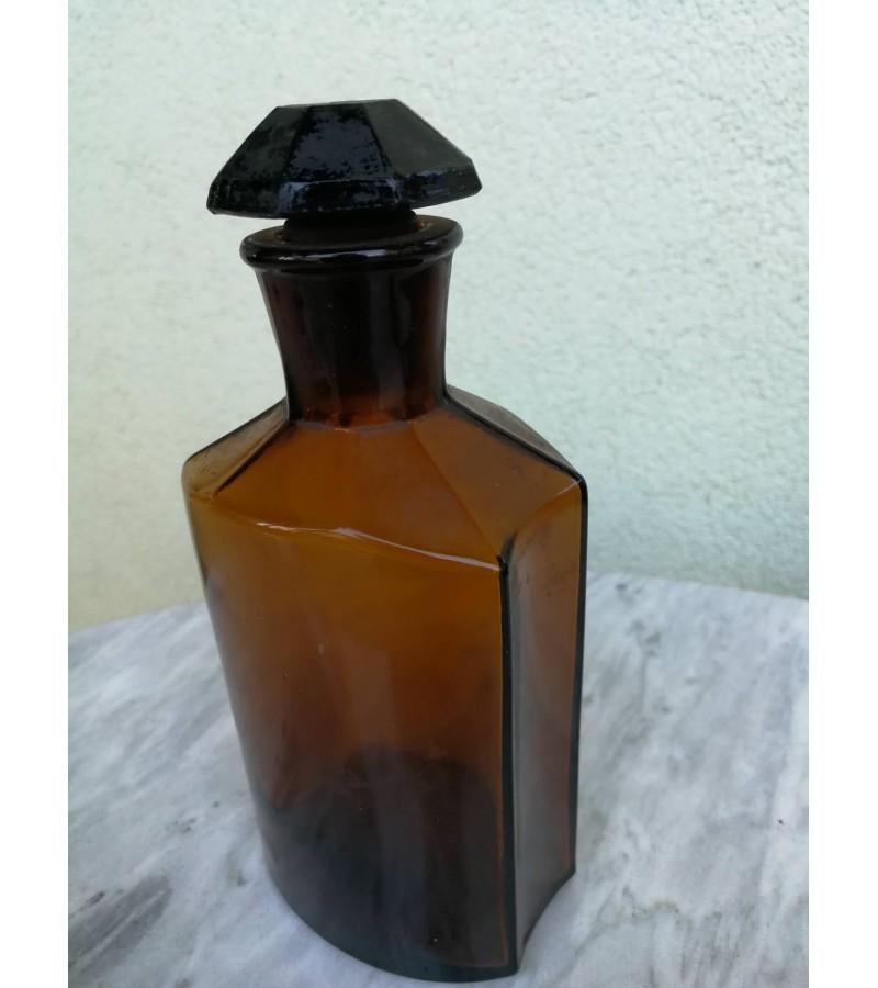 Antikvarinis vaistines butelis. Kaina 23