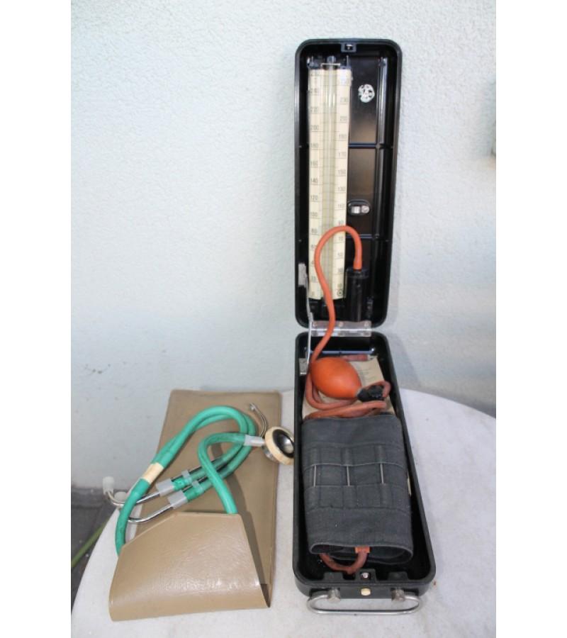 Krausjospaudimo, kraujospūdžio tarybinis matavimo aparatas su fonendoskopu. Kaina 17 uz viska.