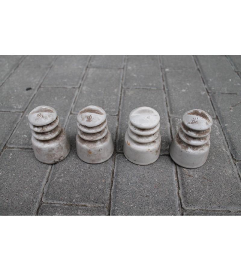 Antikvariniai keraminiai izoliatoriai. 4 vnt. Kaina po 5 Eur.