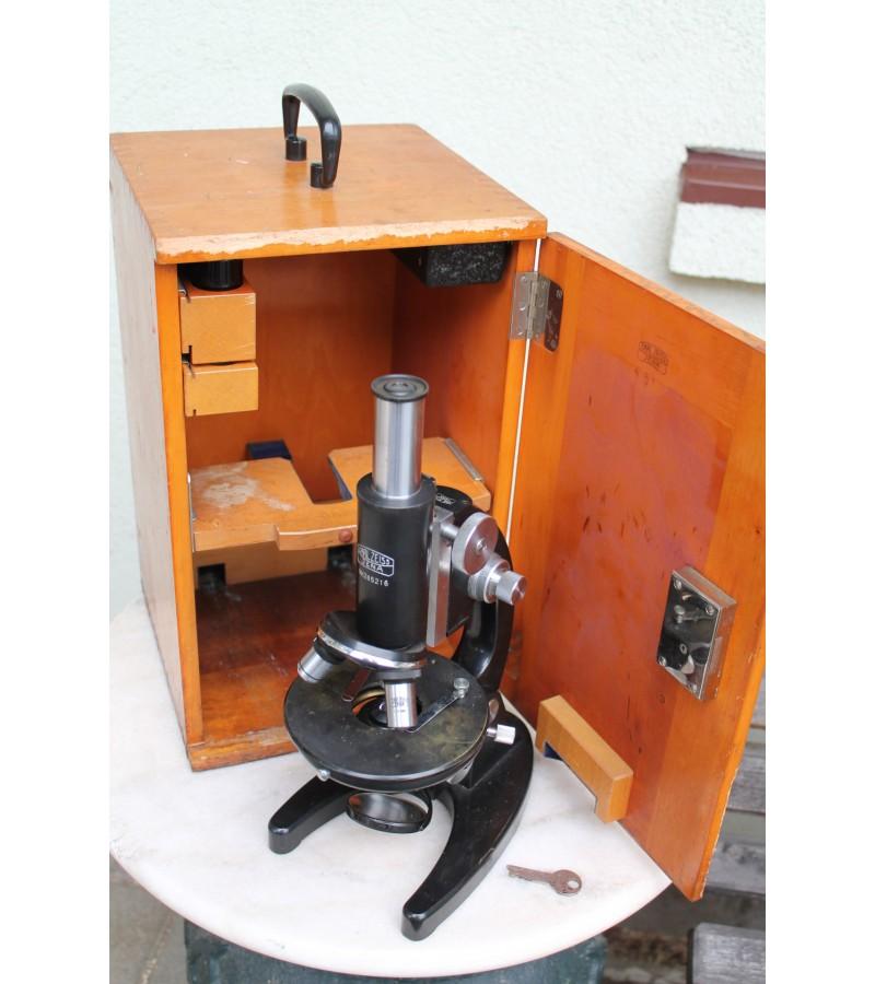 Carl Zeiss Jena mikroskopas. Kaina 157 Eur.