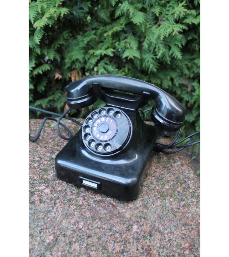 Antikvarinis telefonas. Kaina 87 Eur.