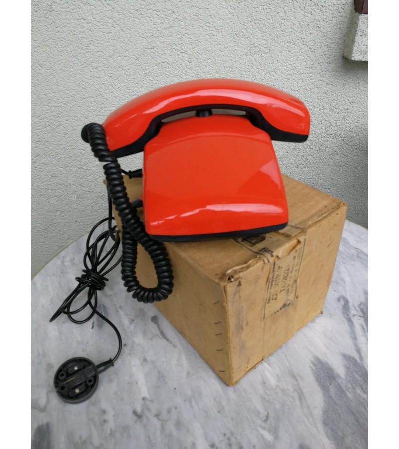 Vintažinis telefonas. 2 vnt. Kaina po 21