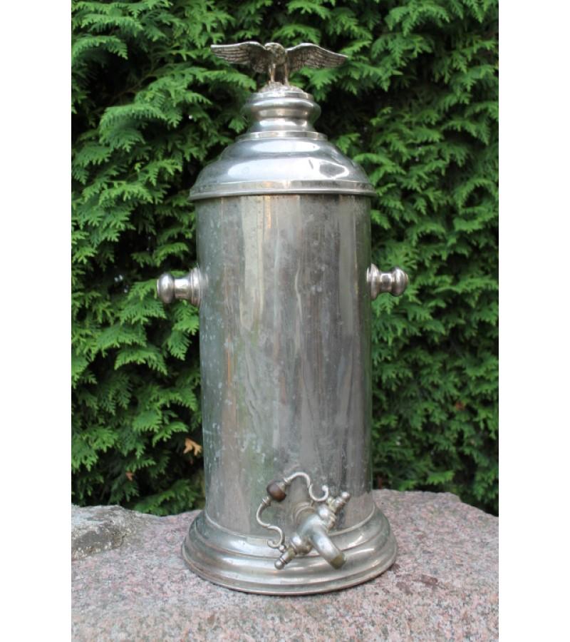 Indas - termosas metalinis, antikvarinis. Dangtis puoštas ereliu. Lapgirių davras Jurbarko r. Kaina 117
