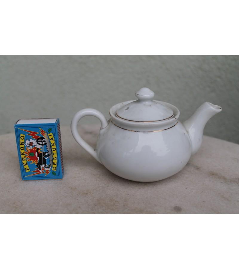 Maziukas tarpukario arbatinukas, Cekoslovakija. Kaina 6