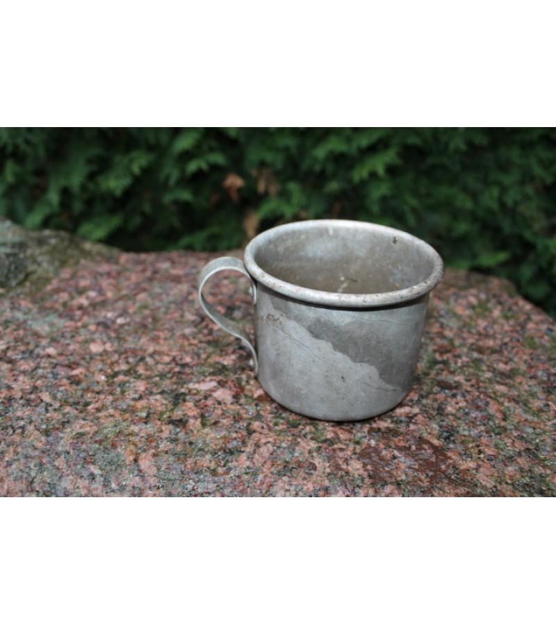 Aliuminis puodelis. Kaina 4 Eur.
