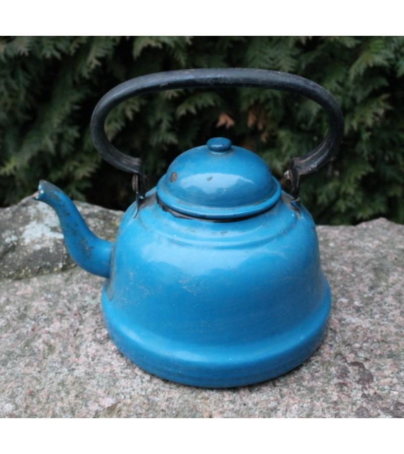 Emaliuotas arbatinis. Kaina 18 Eur.