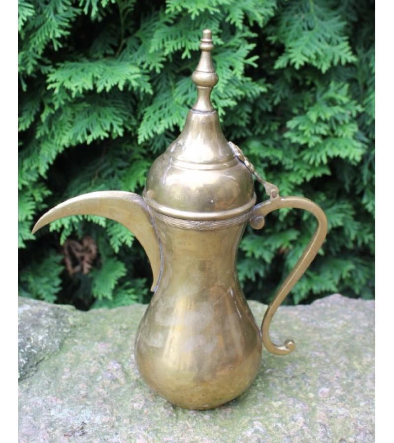 Rytietiskas arbatinukas. Kaina 27 Eur.
