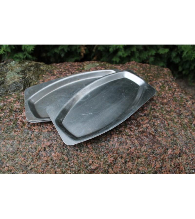 Lėkštės nerūdijančio plieno (neržaveika) skardinės, tarybinės, sovietinių laikų. 60 vnt. Kaina po 4