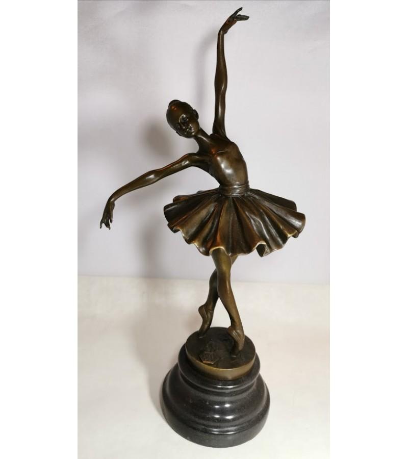 Balerinų statulėlės, bronzinės,  Prancūzija. Kaina po 93