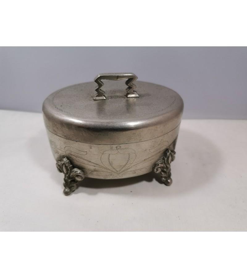 Dėžutė Varšavska, cukrinė, XIX a. antra pusė. Kaina 82