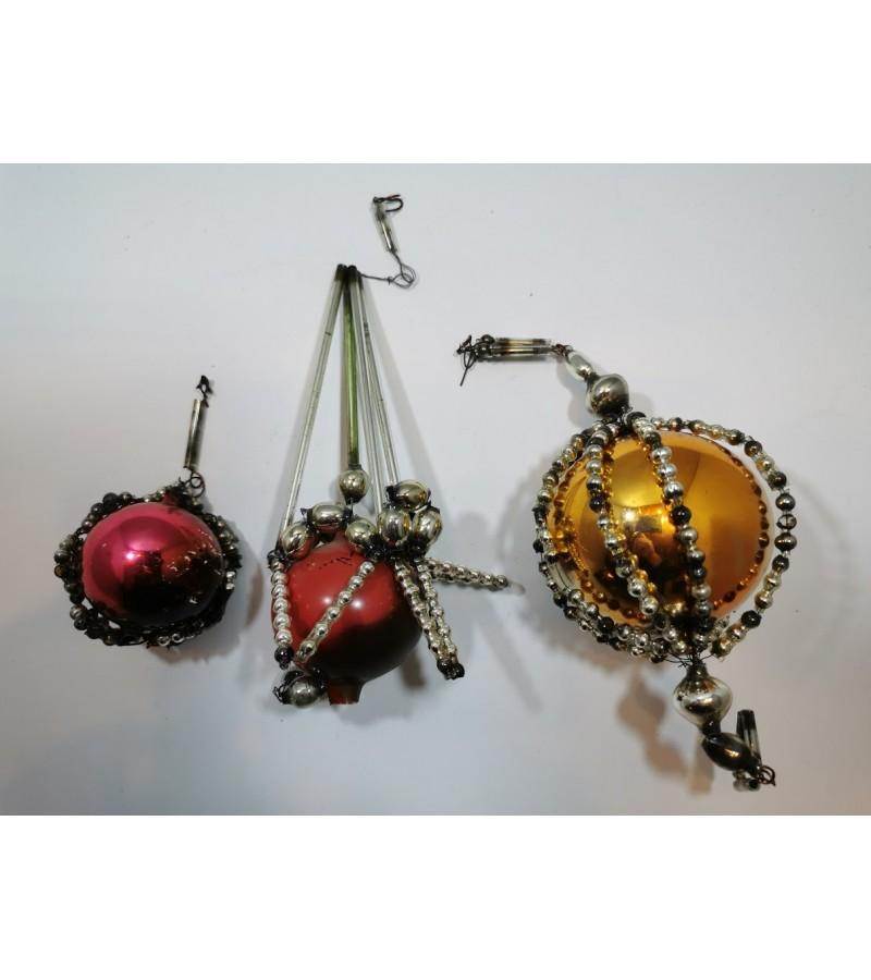 Eglutės žaisliukai antikvariniai, stiklo karolių. Kaina po 7