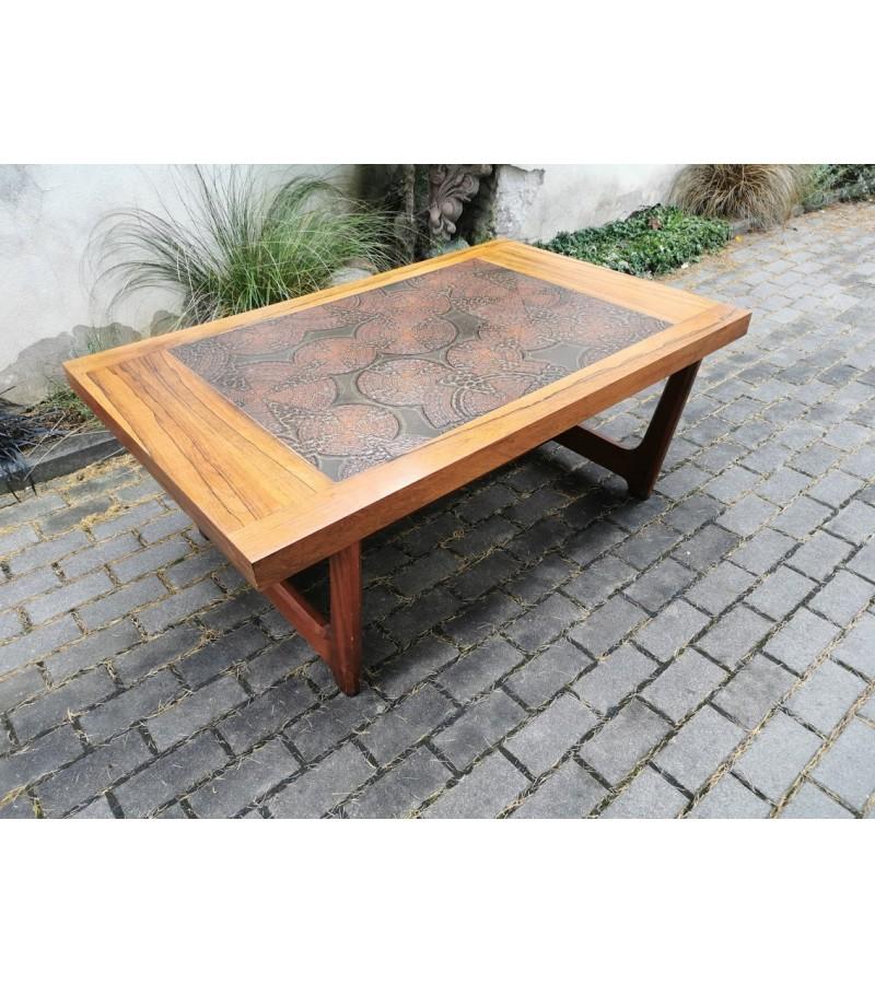Stalas skandinaviškas. Kaina 157