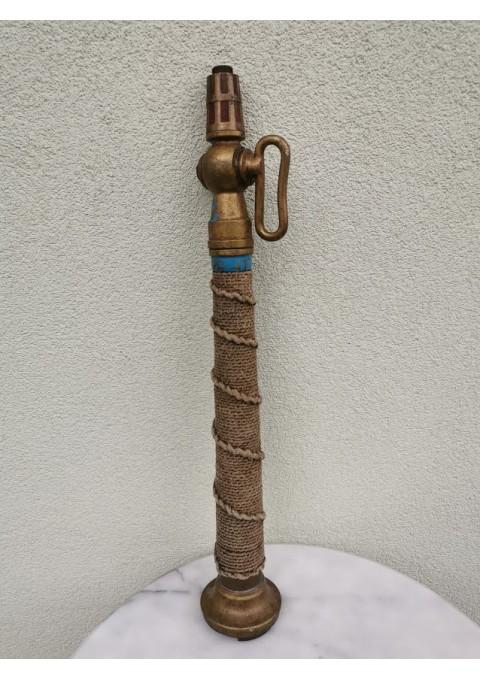 Gaisrinės antikvarinis bronzinis čiaupas. Kaina 52
