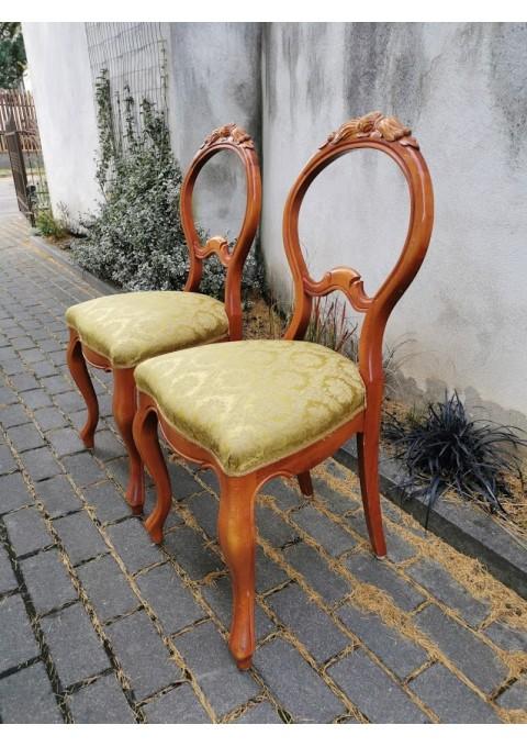Kėdės antikvarinio stiliaus, beveik nenaudotos. 2 vnt. Kaina po 52