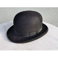 Skrybėlė, katiliukas, kepurė antikvarinė. Kaina 42