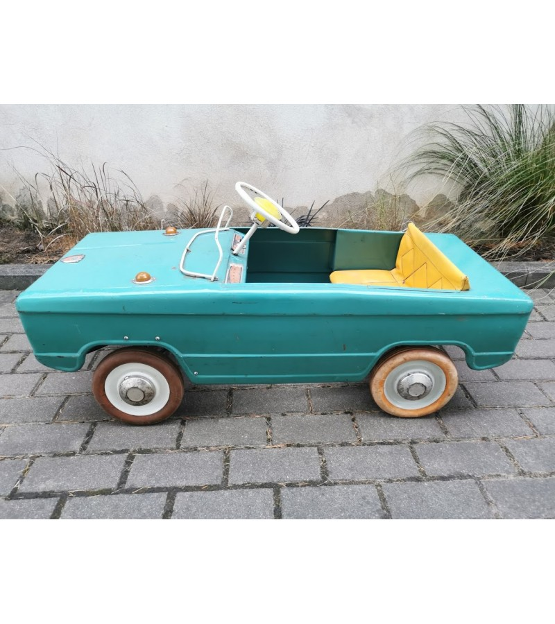 Išnuomojama skardinė, pedalinė, minama, vaikiška, tarybinė mašina. Galimas pardavimas, kaina 535