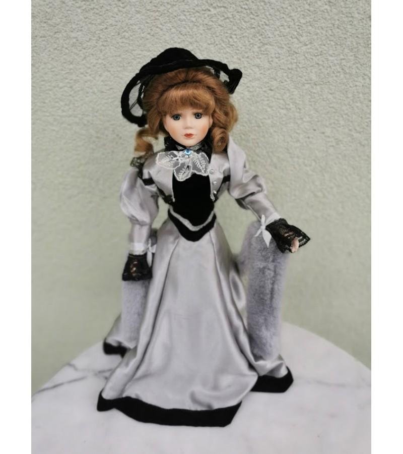 Lėlė Dama porcelianinė. Kaina 43