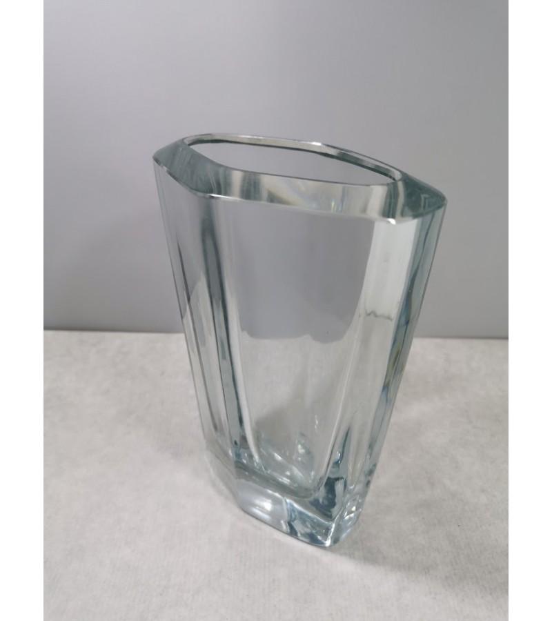 Vaza storo stiklo, Mid century modern, autorinė Strom Berg B 978. Kaina 42