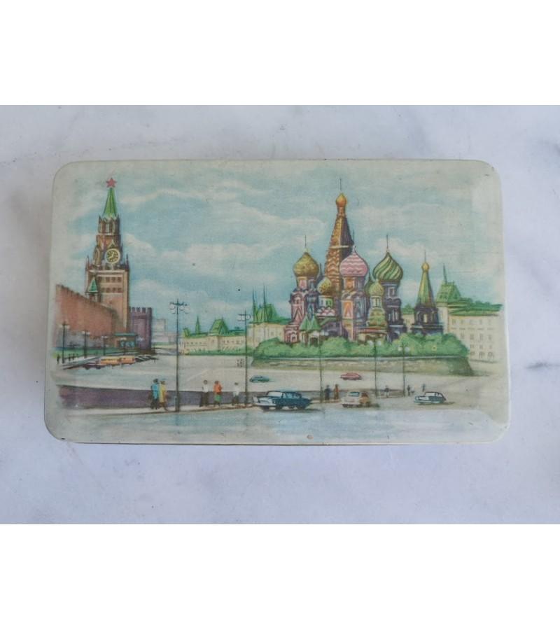 Dėžutė tarybinė, skardinė Maskvos Kremlius. Kaina 15