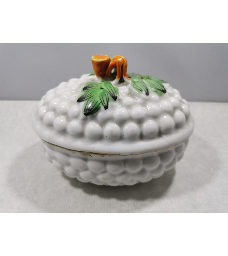 Cukrinė - dėžutė Kuznecov porcelianinė, antikvarinė, Carinės Rusijos imperijos laikų. Kaina 215