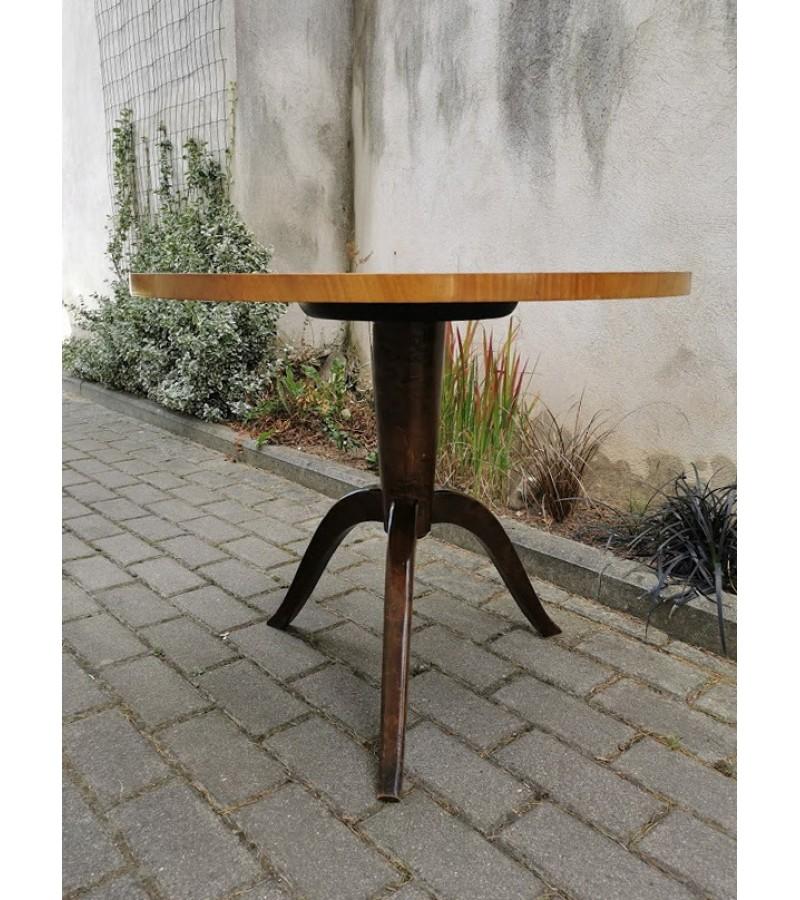 Stalas apvalus, antikvarinis, neaukštas. Kaina 52