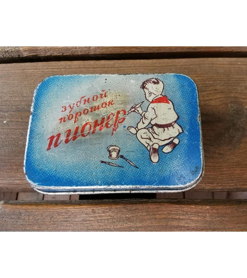 Dėžutė dantų valymo miltelių tarybinė Pionier. Maskva. Kaina 22