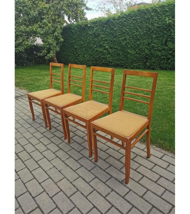 Kėdės medinės tarybinių laikų, 4 vnt. Kaina po 8