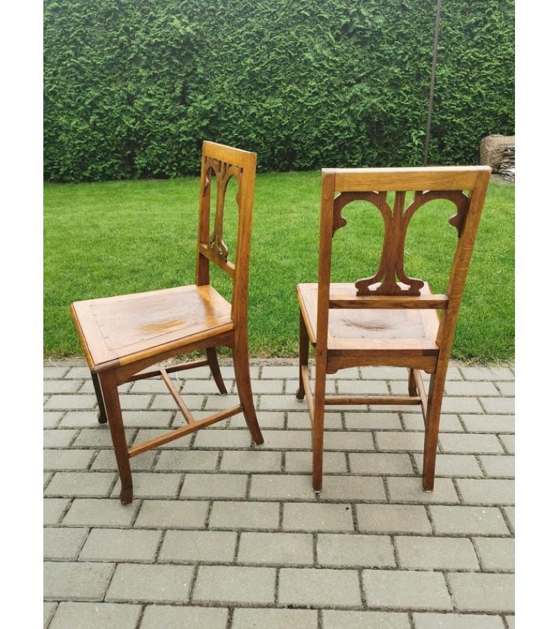 Kėdės ąžuolinės reljefine sėdimąja dalimi, antikvarinės. 2 vnt. Tvirtos Kaina po 48