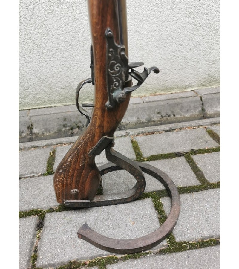Peleninė - šautuvas. Kaina 78