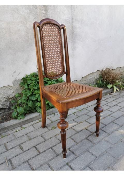 Kėdė antikvarinė. Kaina 27