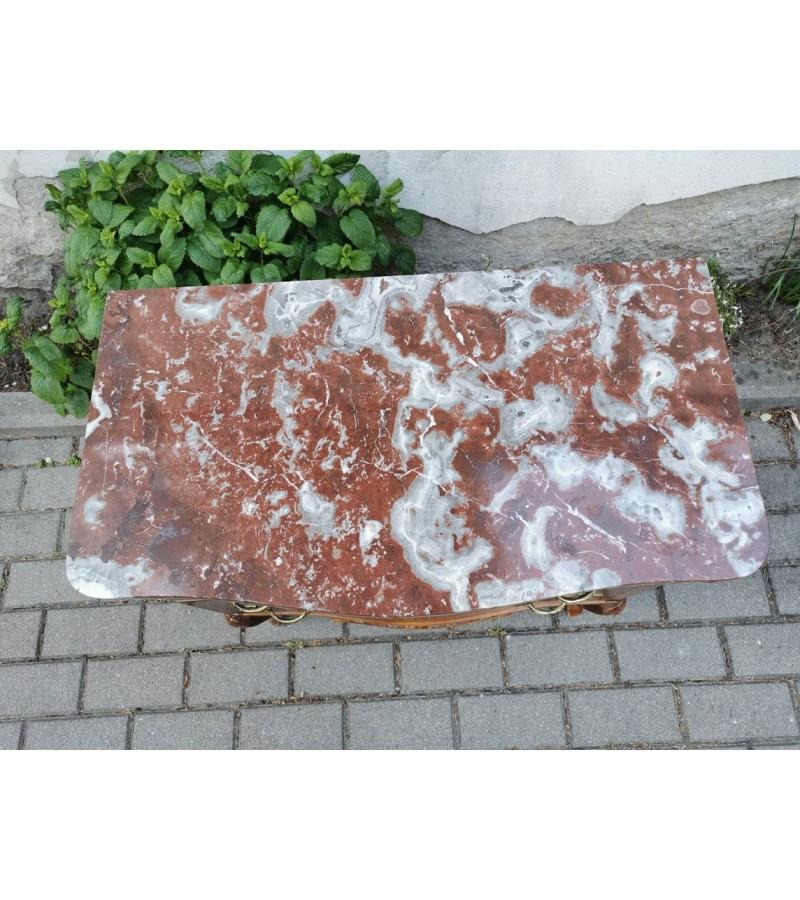 Komoda akmeniniu stalviršiu, antikvarinio stiliaus. Kaina 137