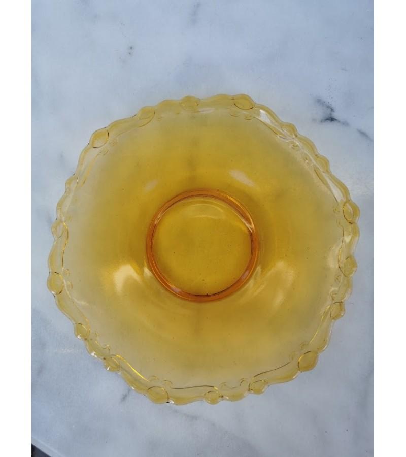 Lėkštė antikvarinė, geltono stiklo. Kaina 12