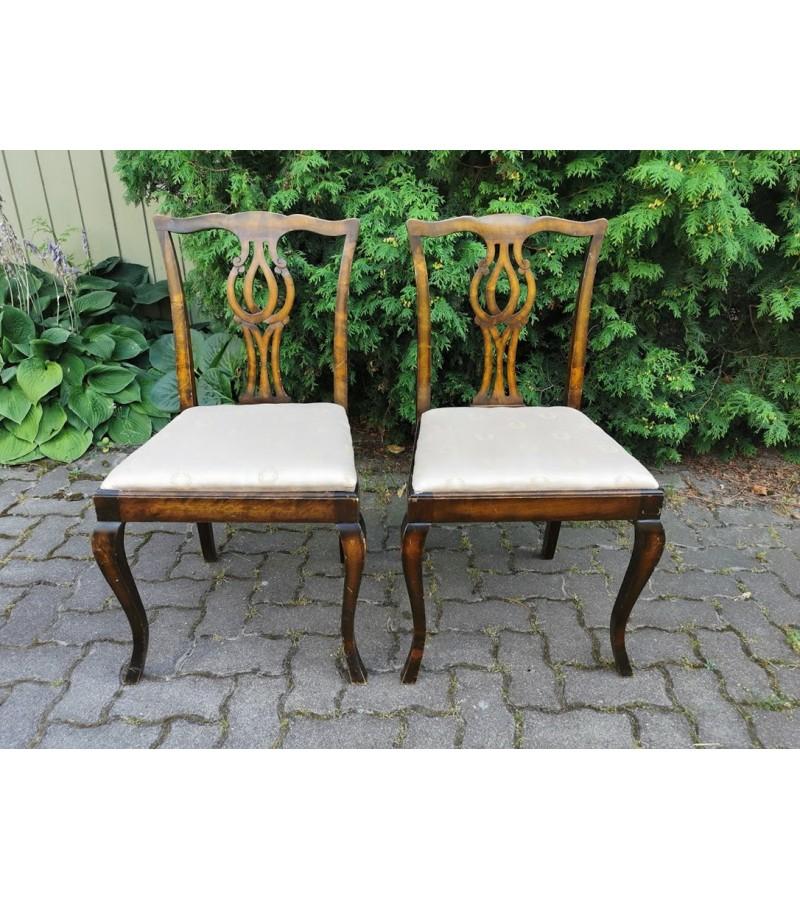 Kėdės antikvarinės, plačios. 2 vnt. Kaina po 26