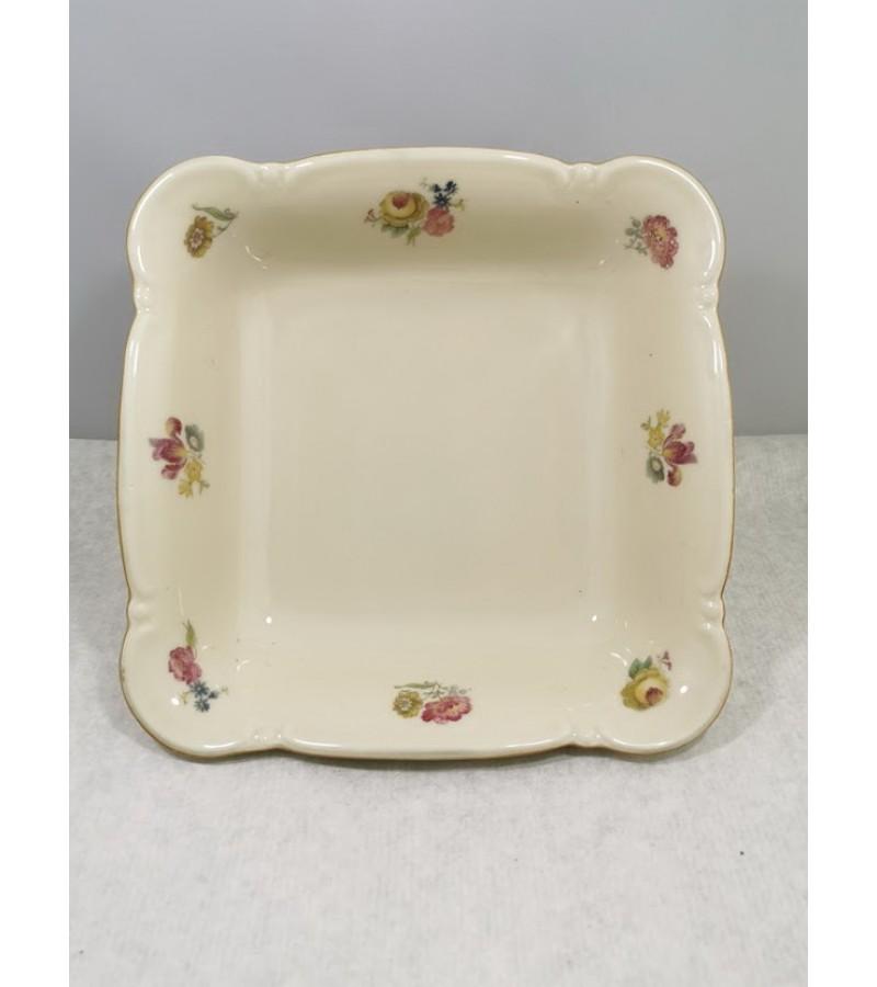 Lėkštė porcelianinė, gili. Bavaria Germany. Dramblio kaulo spalva. Kaina 16