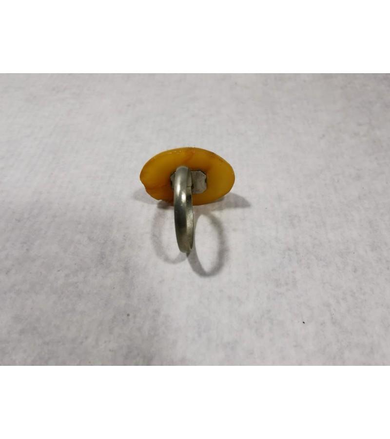 Žiedas gintarinis. Kaina 8
