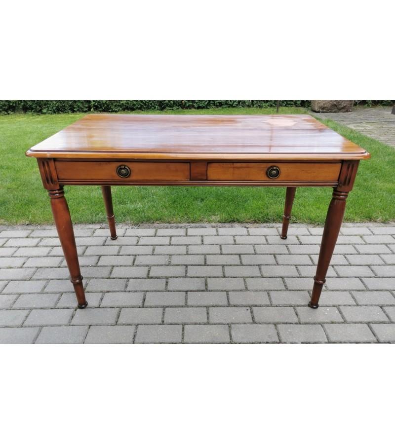 Rašomasis stalas antikvarinio stiliaus su dviem stalčiais. Tvirtas ir stabilus. Belgija. Kaina 188