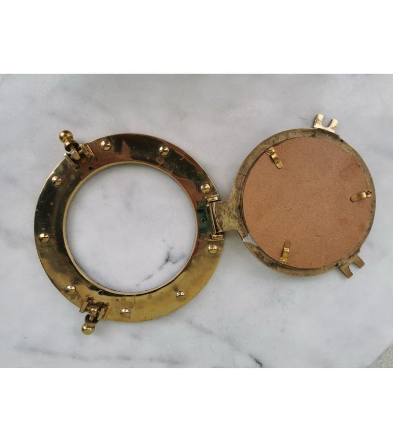 Veidrodis - iliuminatorius bronzinis. Kaina 38