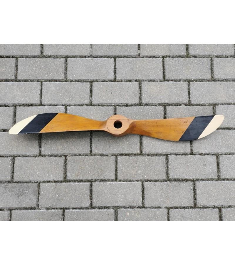 Lėktuvo propeleris, oro sraigtas antikvarinis, medinis. Ilgis 82 cm. Kaina 157
