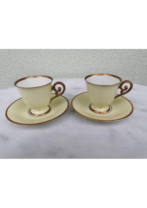 Puodeliai su lėkštutėmis porcelianiniai Bavaria Tirshenreuth Germany. Vienas nežymiai nuskilęs, jo kaina 6 eur., be trūkumų puodelio kaina 11 eur, perkant abu 12 eur.