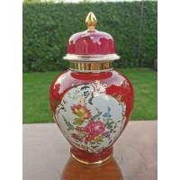 Vaza, urna su dangčiu, porcelianinė Bavaria Germany. Kaina 42