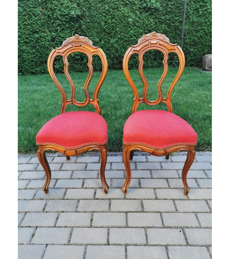 Kėdės antikvarinės, 2 vnt. Spyruoklinės. Kaina 38 už abi.
