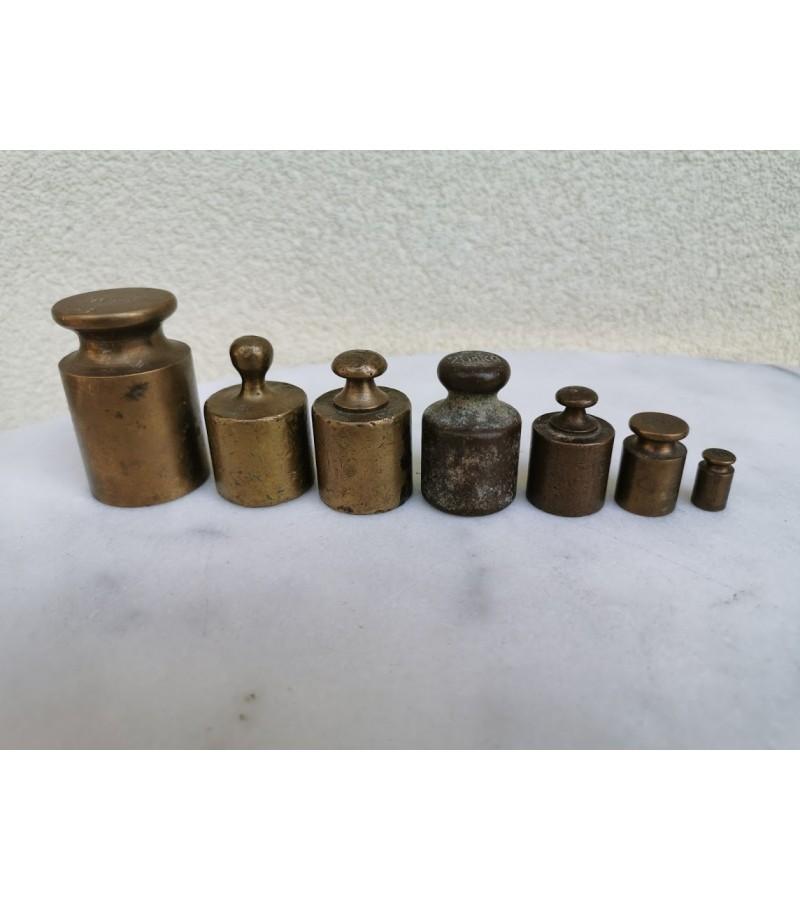Svareliai bronziniai, antikvariniai. Kaina 21 už visus.