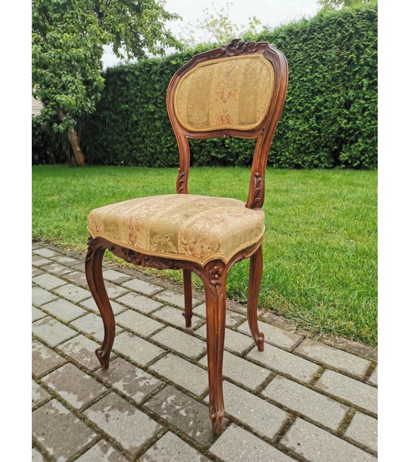 Kėdė antikvarinė, prancūziška nedidelė. Tvirta. Kaina 63