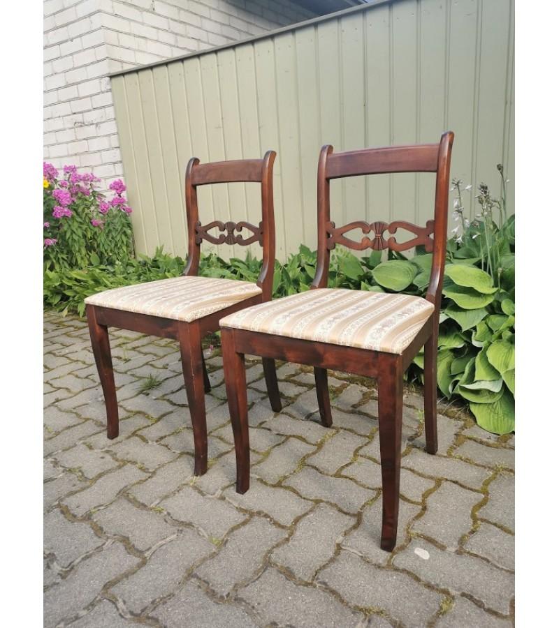 Kėdė antikvarinė, tvirta. LIKO VIENA. Kaina 23