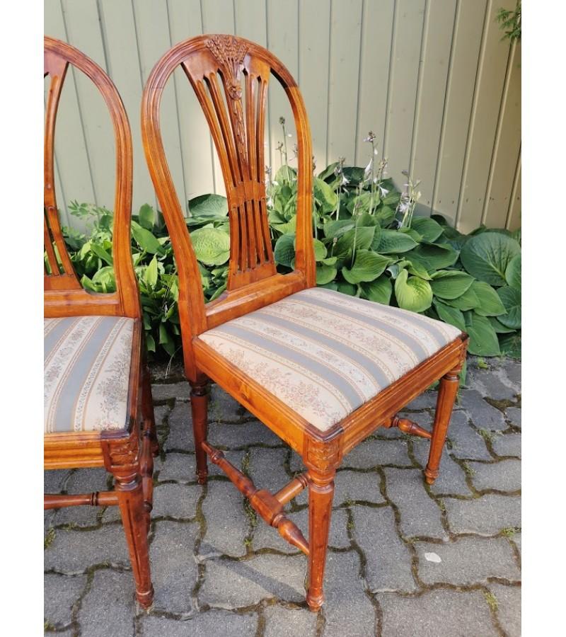 Kėdės antikvarinės, tvirtos. 2 vnt. Kaina po 32