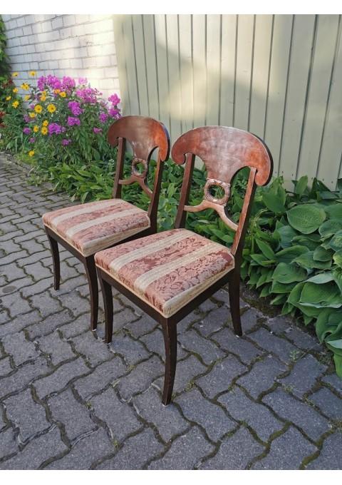 Kėdės antikvarinės. 2 vnt. Tvirtos. Kaina po 21