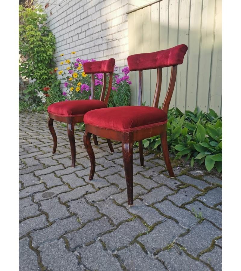 Kėdės patogios antikvarinės. 2 vnt. Kaina po 32