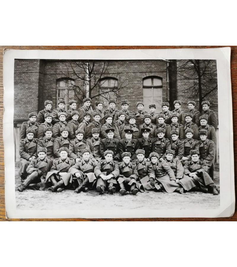 Nuotrauka didelė, tarybiniai kareiviai, Šančiai. Kaina 3
