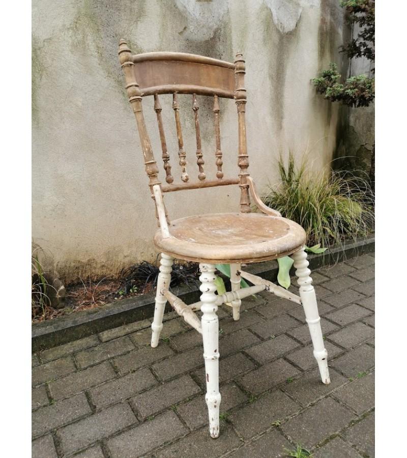 Kėdė antikvarinė. Tvirta ir stabili. Kaina 32
